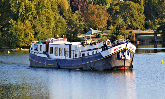 Explore Agen, France On 100' Rosa Canal Boat
