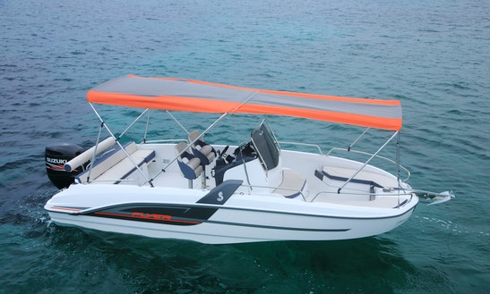 Rent The Beneteau Flyer 6.6 Spacedeck Boat In Barcelona, Spain