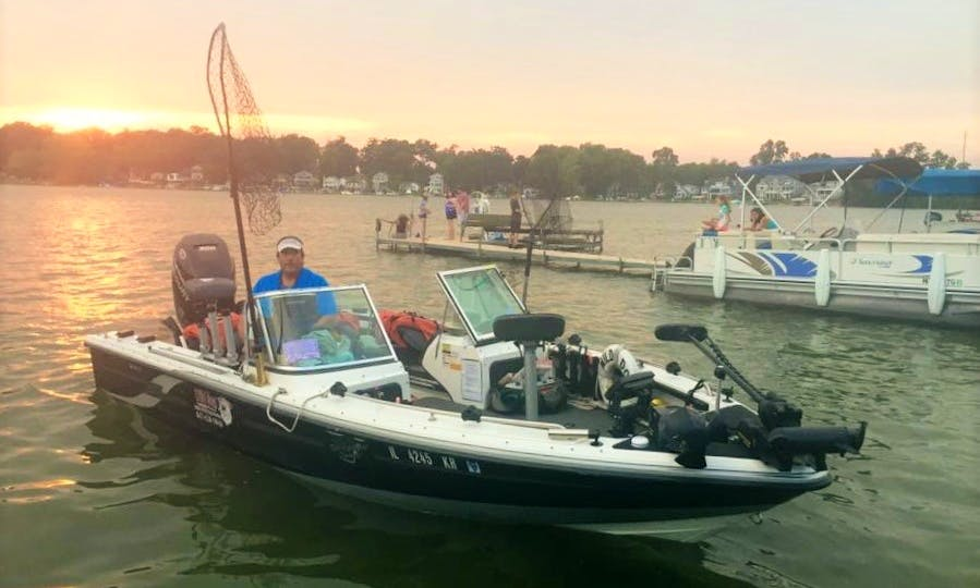 Charter 20' Bass Boat for 3 in Chicago, Illinois