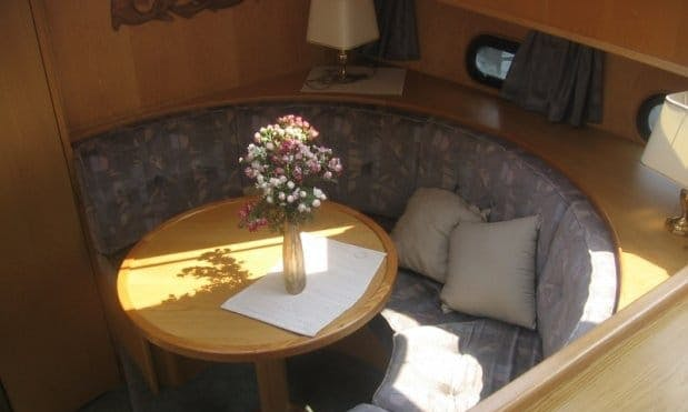 Premier 1175  Motor Yacht - Sleep 6 People
