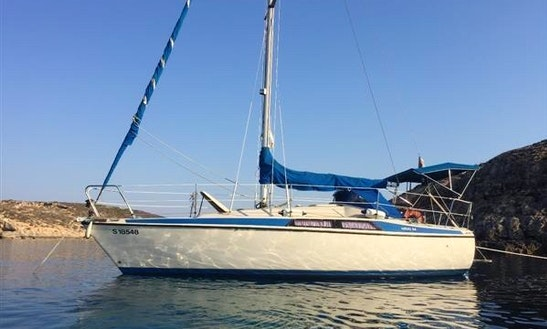 Maxi 8.4 Daysailer For Rent In Pieta