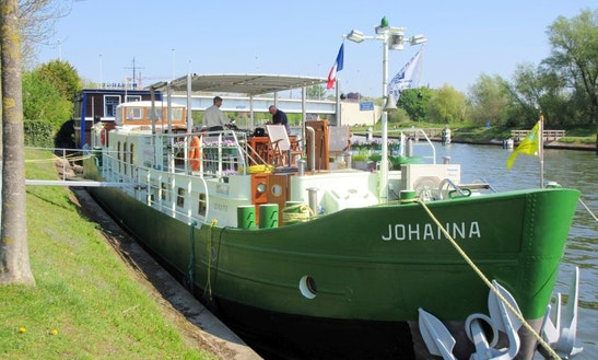 B&b Barge Johanna, Houseboat Sleep Aboard In Brugge