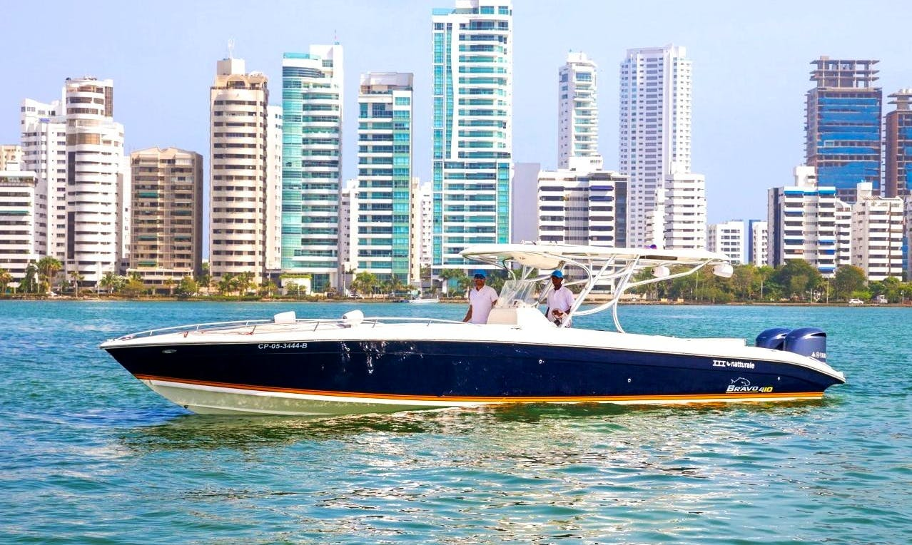 41' Center Console Charter in Cartagena, Colombia