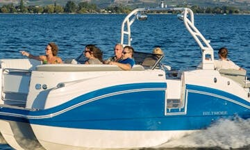 Deck Boat Rental in Kelowna