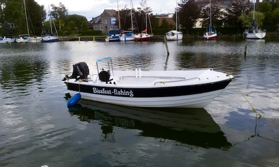 24ft Hannelore 15 Ps Center Console Fishing Boat In Berlin, Germany