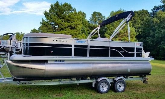 Enjoy North Carolina's Beautiful Lakes On New Crest Pontoon