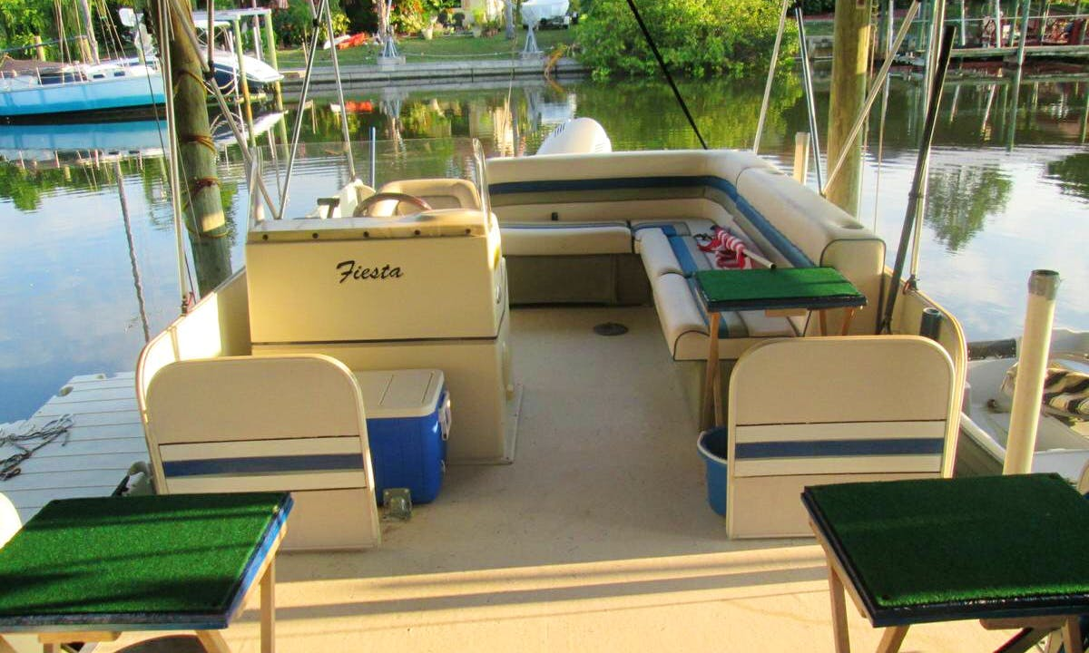 26' Fiesta Pontoon w/ 150 hp