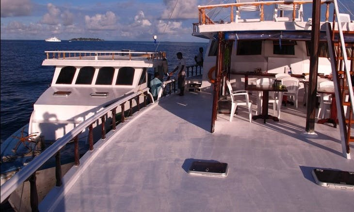 "Discover Maldives on 85ft ""Flying Fish"" Houseboat with Serena"