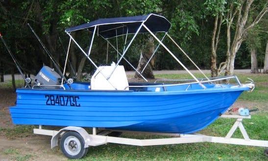 15' Center Console Boat Hire In Holloways Beach, Australia