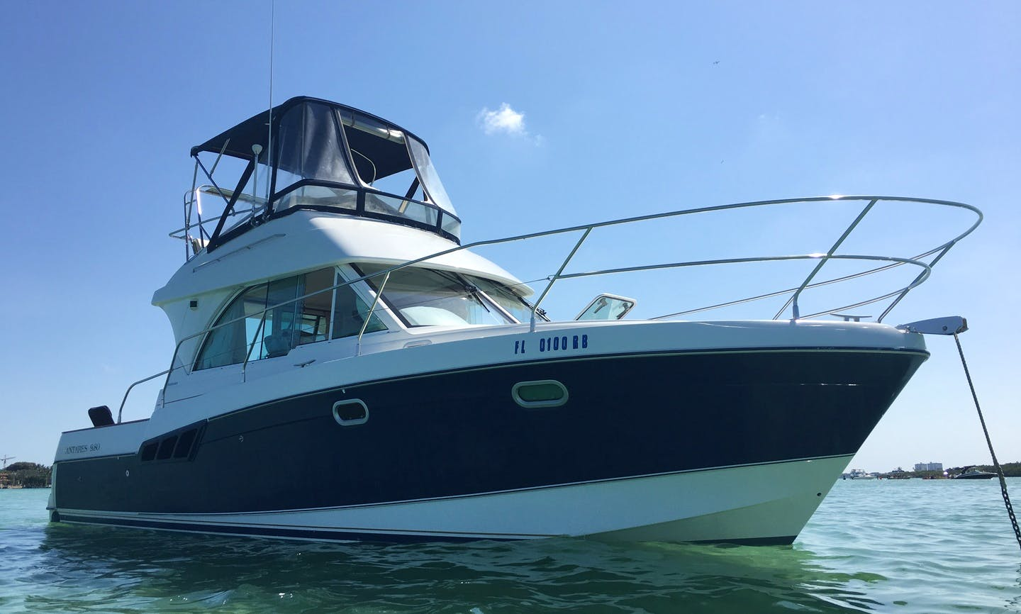 34' Beneteau Cruising Motor Yacht in North Miami