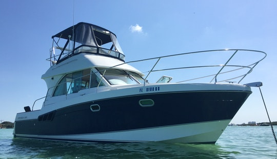 34' Beneteau Cruising Motor Yacht In North Miami