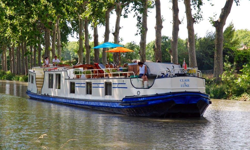 Explore Canal Du Midi, Le Somail on 100' Clair de Lune Canal Boat