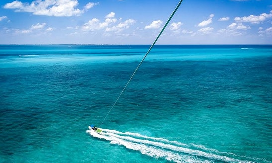 Parasailing In Cancún