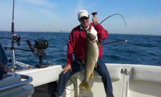 33' Inboard Propulsion Fishing Charter In Milwaukee, Wisconsin