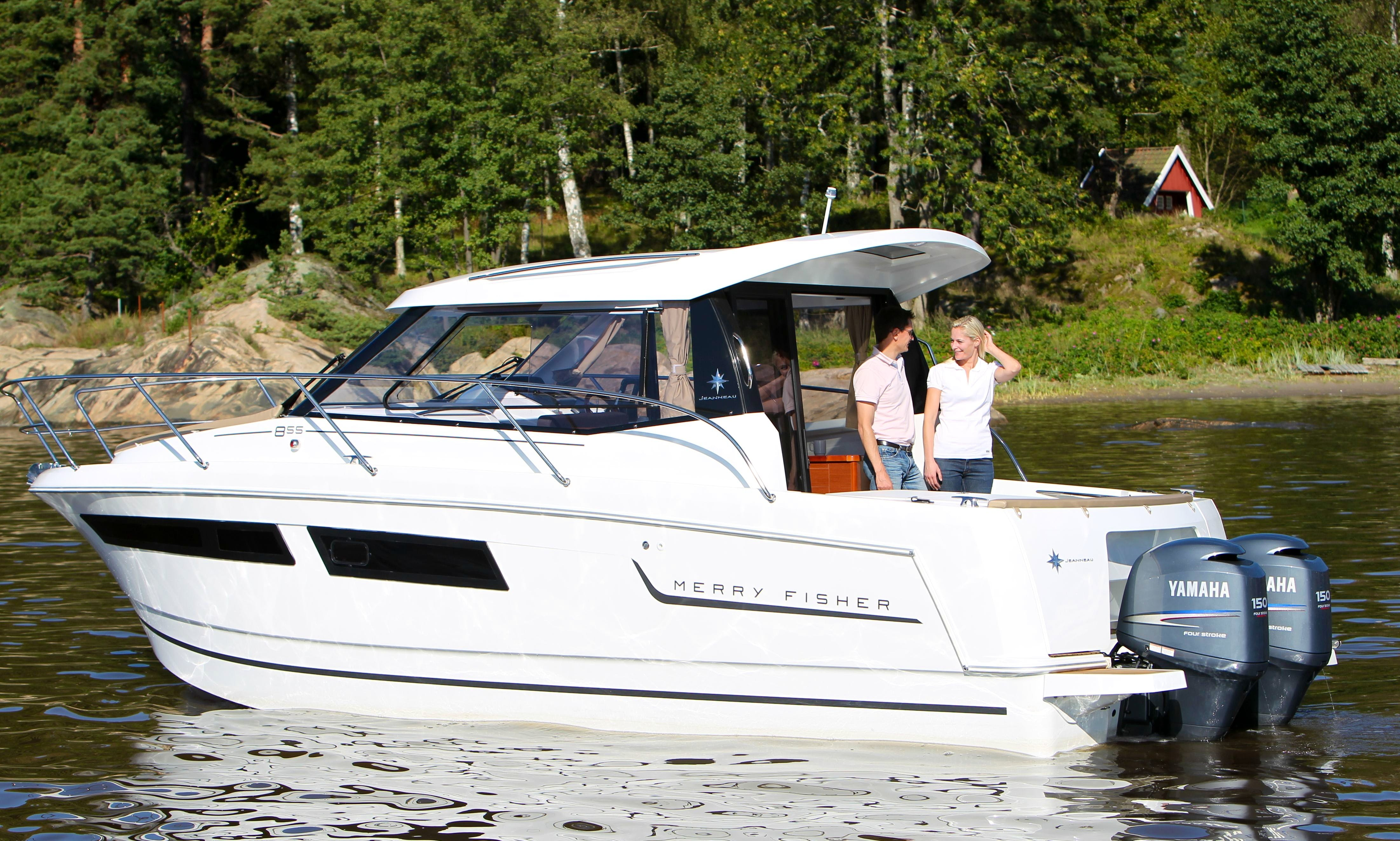 Explore Tuscana on 28' Jeanneau Merry Fisher Powerboat