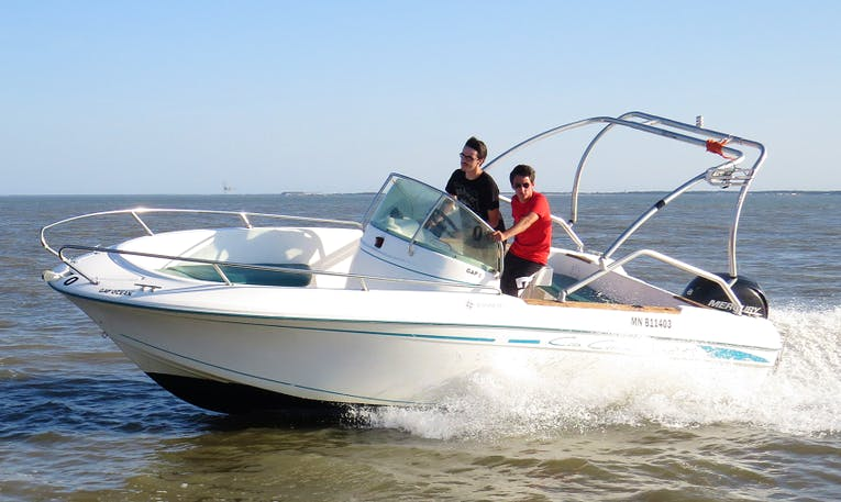 Rent 20' Center Console in Royan, France