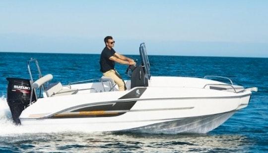 Beneteau Flyer Spacedeck 5.5 Boat Rental In Barcelona, Spain