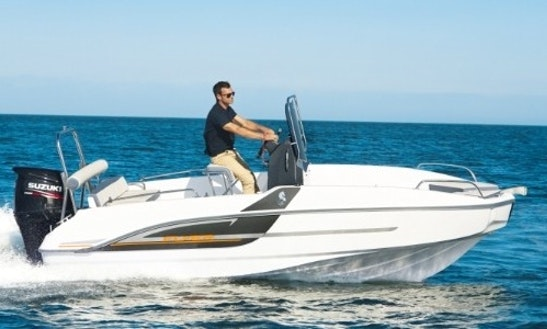 Beneteau Flyer Spacedeck 5.5 Boat Rental In Barcelona, Spain