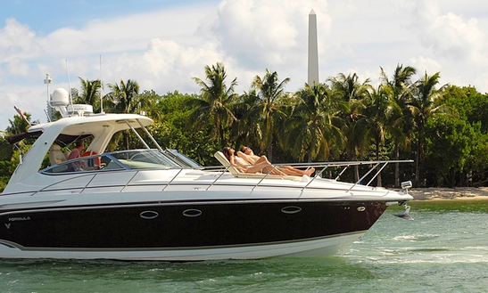 Charter 21' Cuddy Cabin/walk Around Air Nautique 211 In Miami Beach, Florida