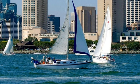 San Diego Private Yacht Cruise On 37ft  Hunter Legend Sail Yacht