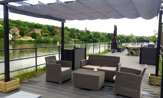 Houseboat For Rent In Triel-sur-seine