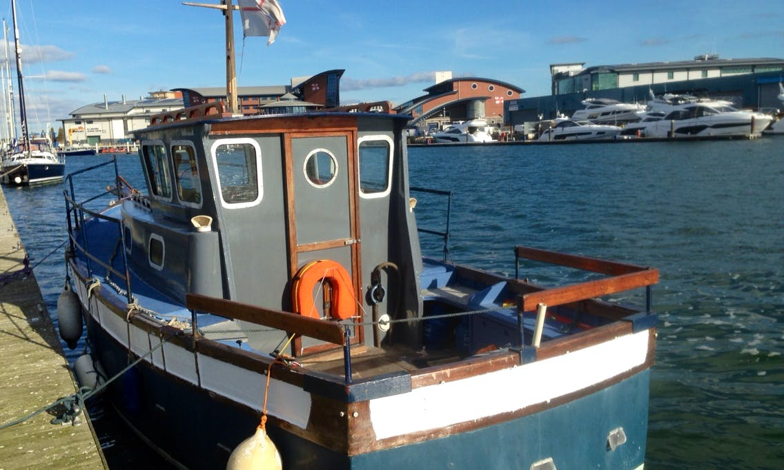 28' Thornycroft Cuddy Cabin for Rent in Poole, United Kingdom