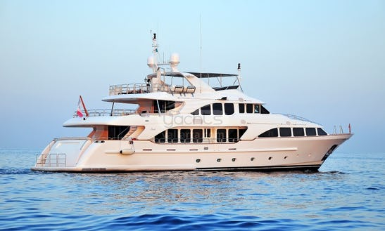 120' Benetti Power Mega Yacht Charter In Puerto Vallarta, Mexico
