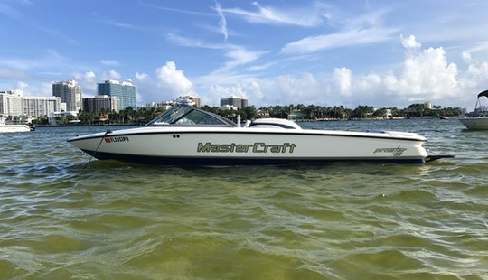 Wakeboarding /island Hop/south Beach On A Captained Charter