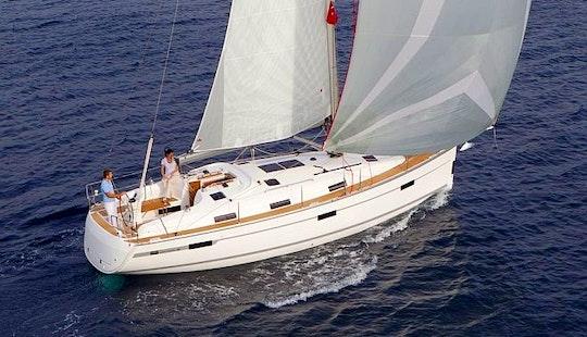 Charter 36' Bavaria Cruising Monohull In Kalkara, Malta