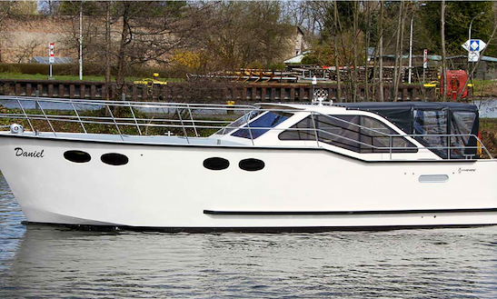 Charter 34' Daniel Motor Yacht In Brandenburg, Germany