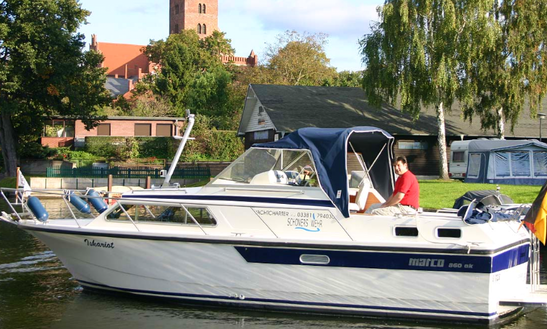 Charter 30' Motor Yacht In Brandenburg, Germany