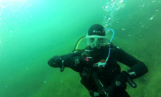 Enjoy Diving At Bass Lake In Gauteng, South Africa
