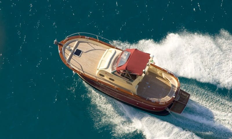 Enjoy Sorrento, Italy on 25' Gozzo Jeranto 750 Classic Boat