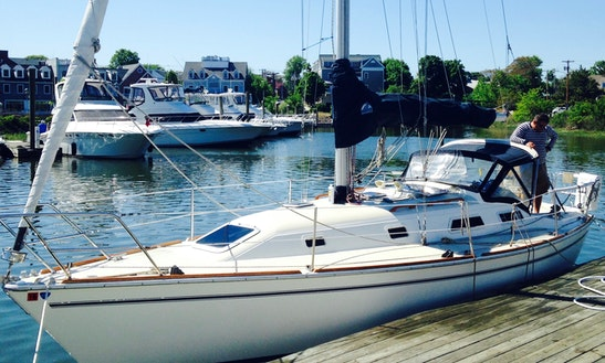 31ft Pearson Cruising Monohull Boat Rental In Milford, Connecticut