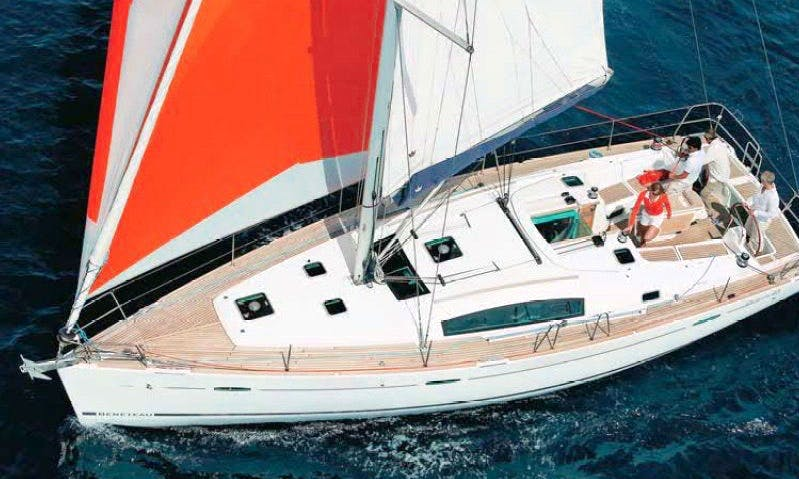 Charter 43' Cruising Monohull in Loano, Liguria