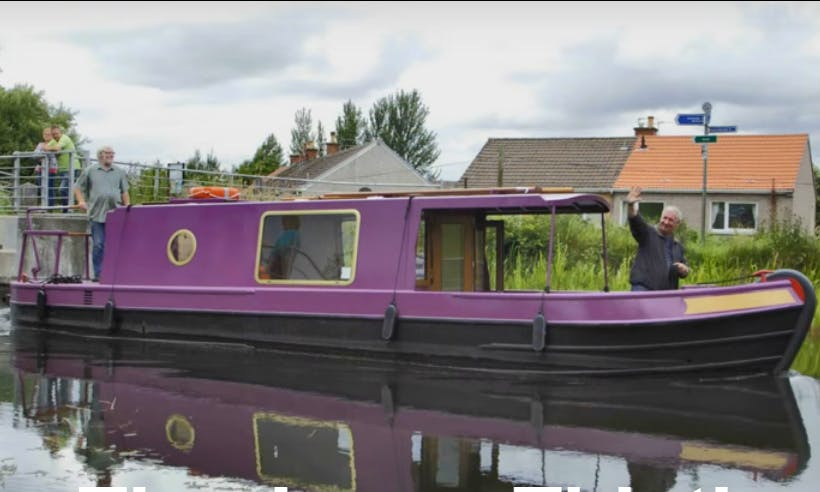 Self Drive 32' Canal Boat Hire in Falkirk, Scotland