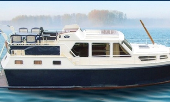 Charter 37' Motor Yacht In Utrecht, Netherlands
