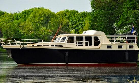 Charter 39' Motor Yacht In Utrecht, Netherlands