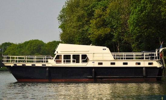 Charter 49' Derby 25 Motor Yacht In Utrecht, Netherlands