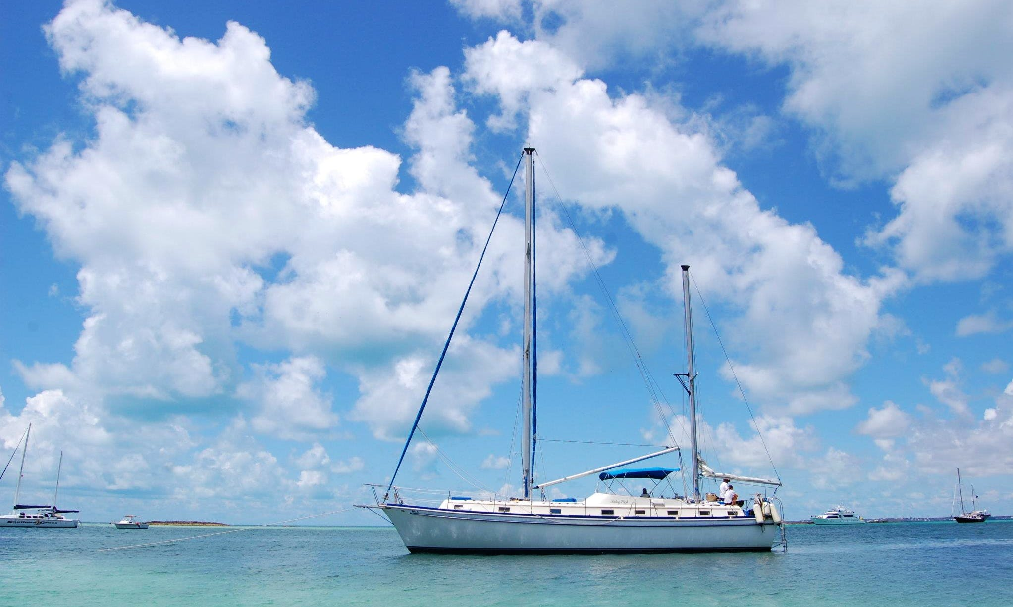"Charter ""Riding High"" Cruising Monohull In Nassau, The Bahamas"