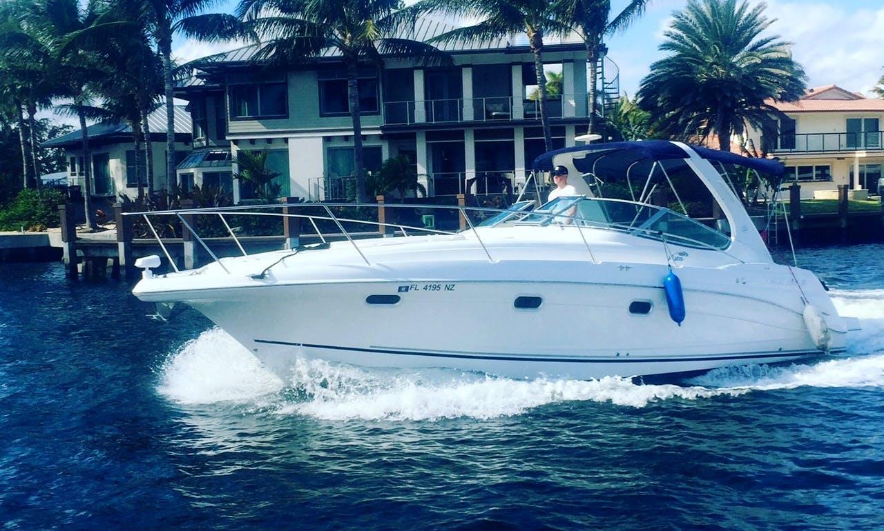 2004 Four Winns Vista 328 Yacht rental in Miami