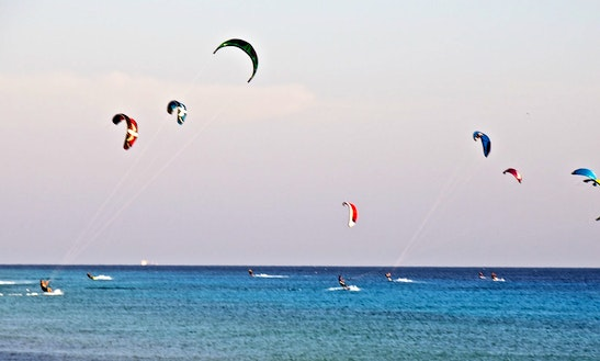 Enjoy Kitesurfing Lessons In Den Haag, Zuid-holland
