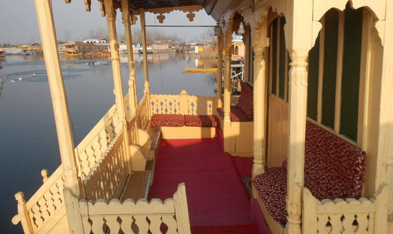 Rent a Houseboat on Dal Lake in Srinagar, India