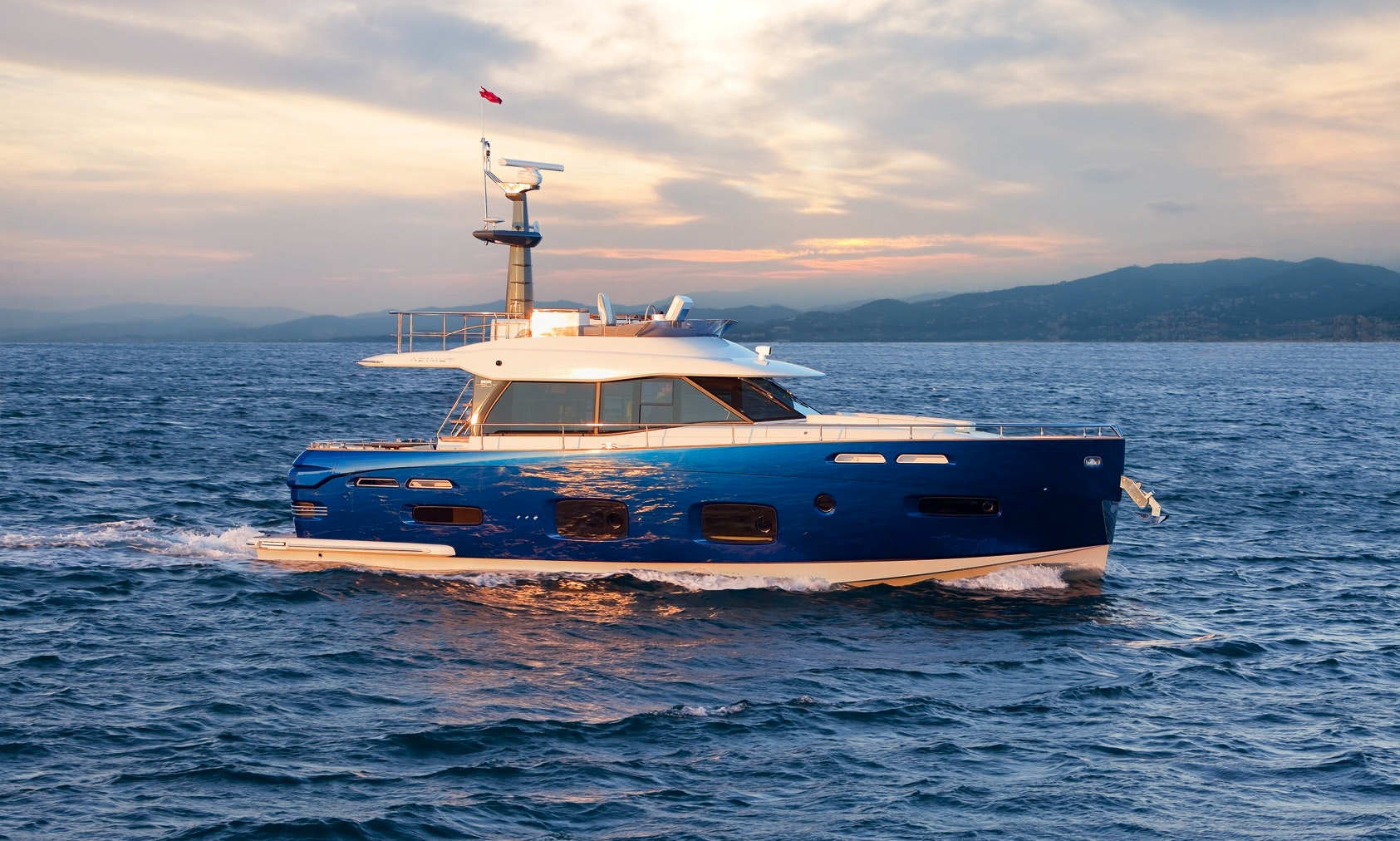 Charter The 40ft Sealine Motor Yacht With Captain In Miami