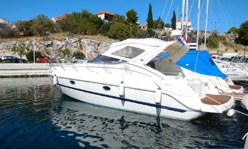 Charter 35' Motor Yacht in Lefkada, Greece