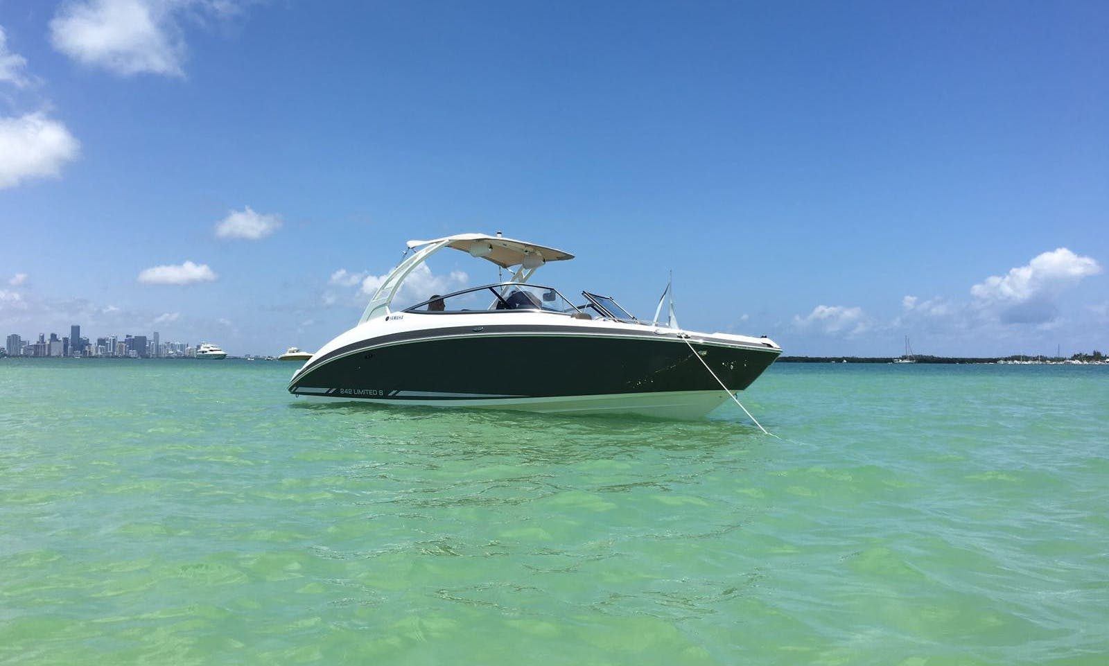 Amazing 24ft. Brandnew Jetboat with or without Captain just $120 per hour
