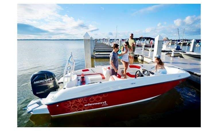 Motor boat rental in Alacant Bayliner 180
