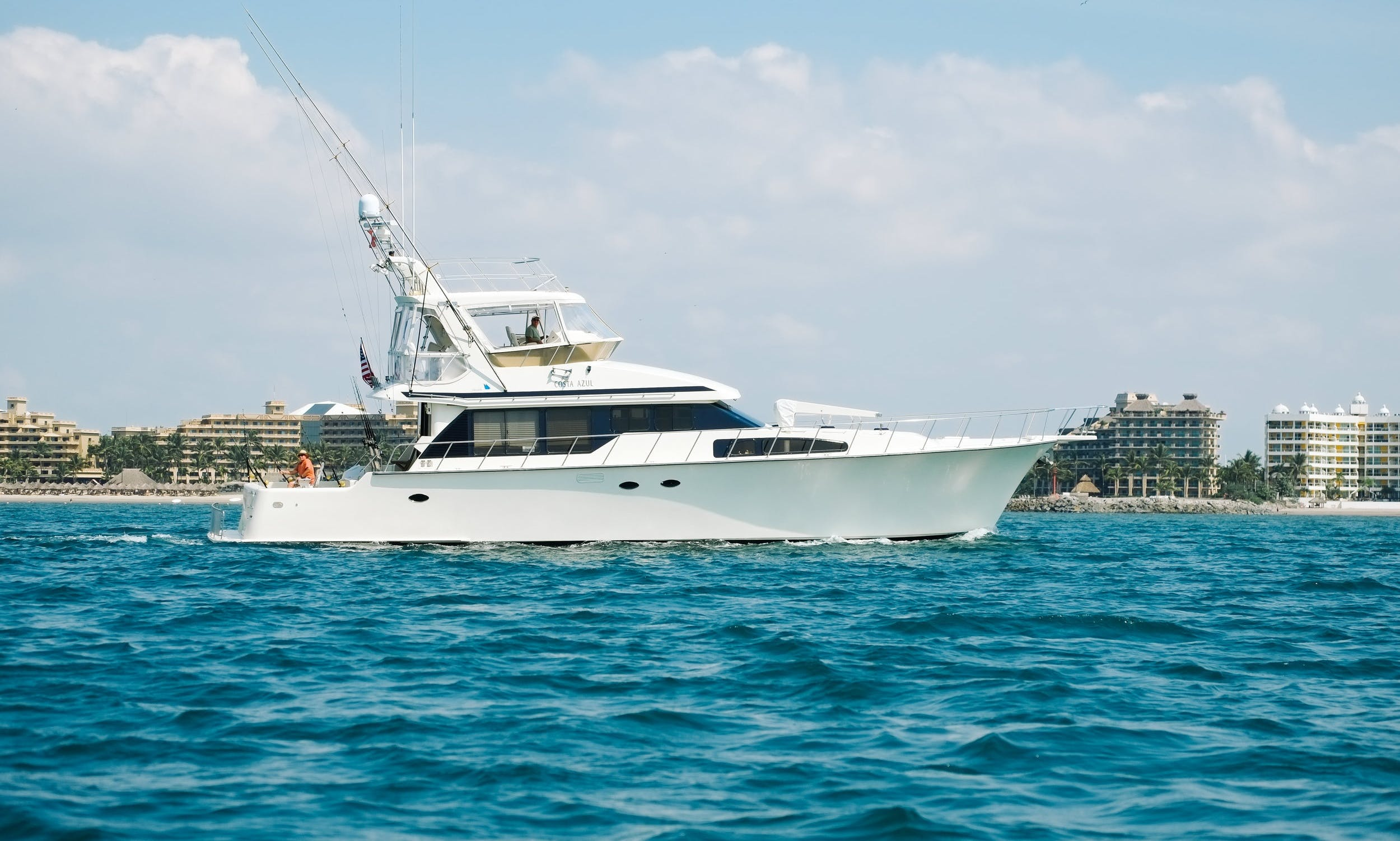 64ft Mikelson fishing charter in Nuevo Vallarta