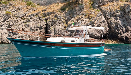Charter Aprea32 Motor Yacht In Positano, Italy