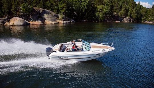 Rent This Yamarin 59 Day Cruiser Bowrider In Kaarina, Finland